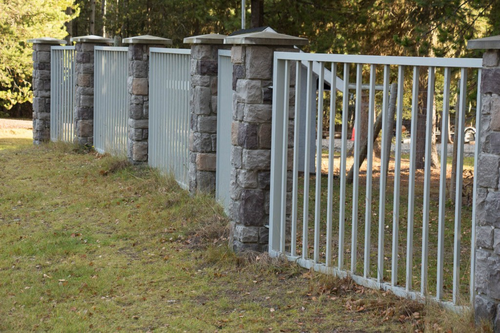 custom-aluminium-gate-fence-1